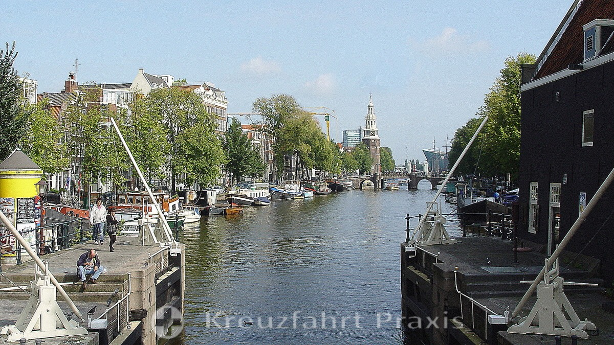 Canal with the Montelbaanstoren