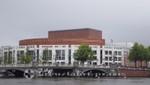 Die Blauwbrug mit Het Muziektheater Amsterdam