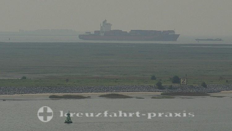 Containerschiff auf der Schelde