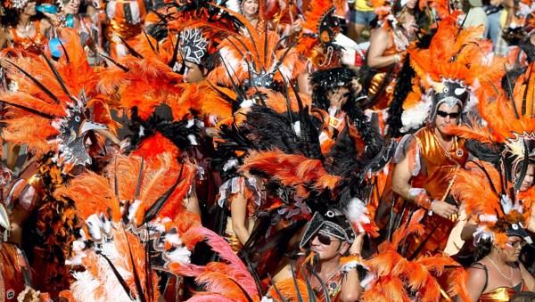 Aruba - Farbenprächtige Kostüme