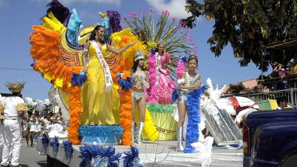 Aruba - Arubas Grand Carnival Parade
