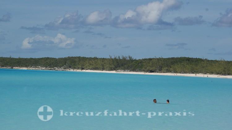 Bahamas - Half Moon Cay - Kristallklares Meer und Strand im Überfluss