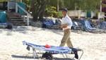 Bahamas - Half Moon Cay - Der Waiter ruft zum Lunch