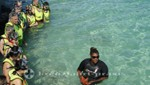 Bahamas - Half Moon Cay - Das Stingray Adventure - Gruppenbild mit Seestern