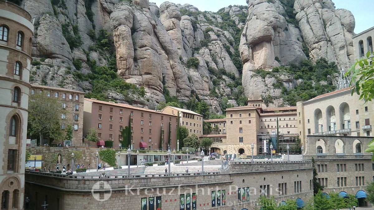 Montserrat monastery in front of a rock backdrop