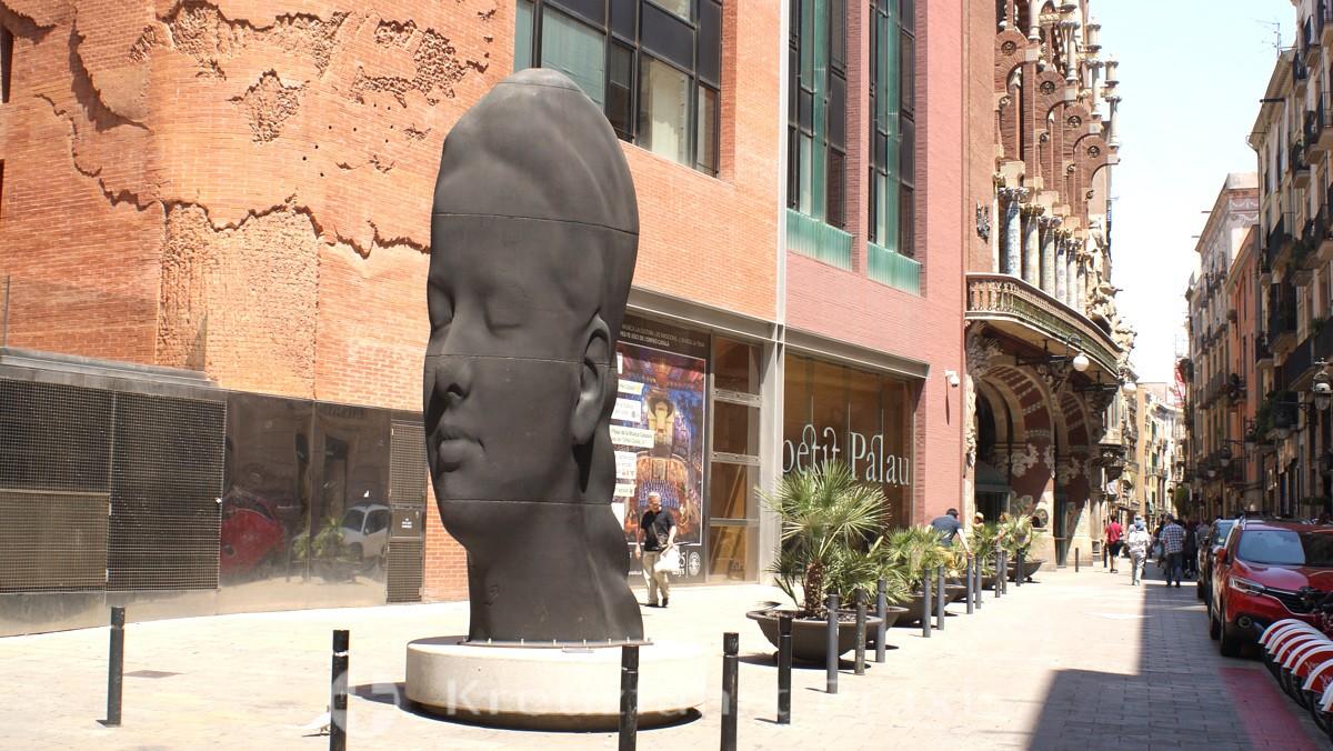 Palau de la Musica Catalana with the Carmela sculpture