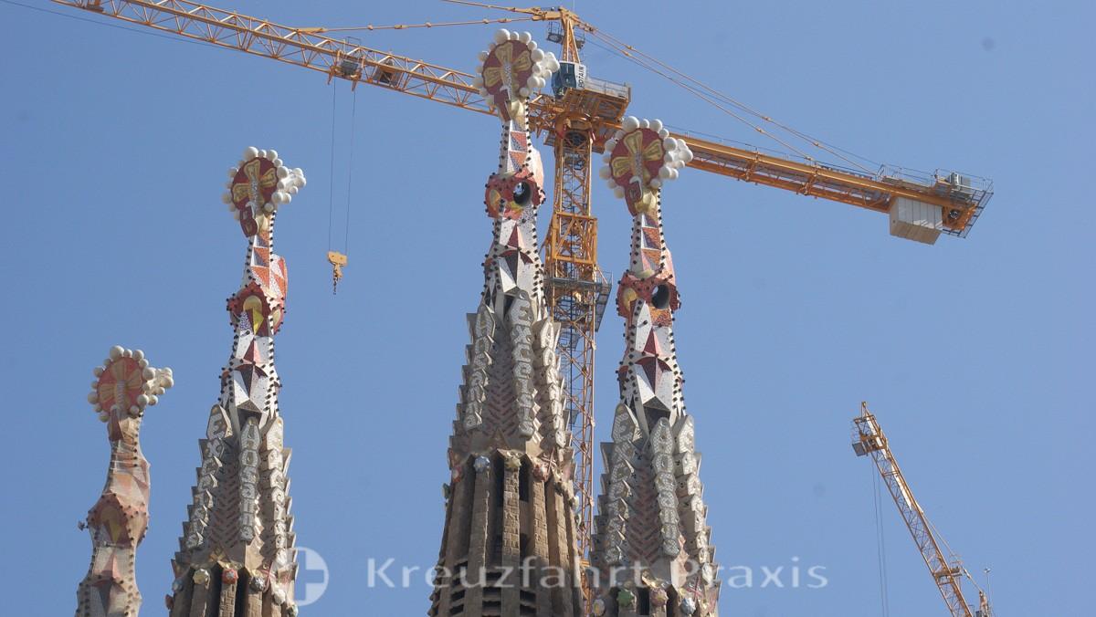 Sagrada Familia - construction cranes are indispensable