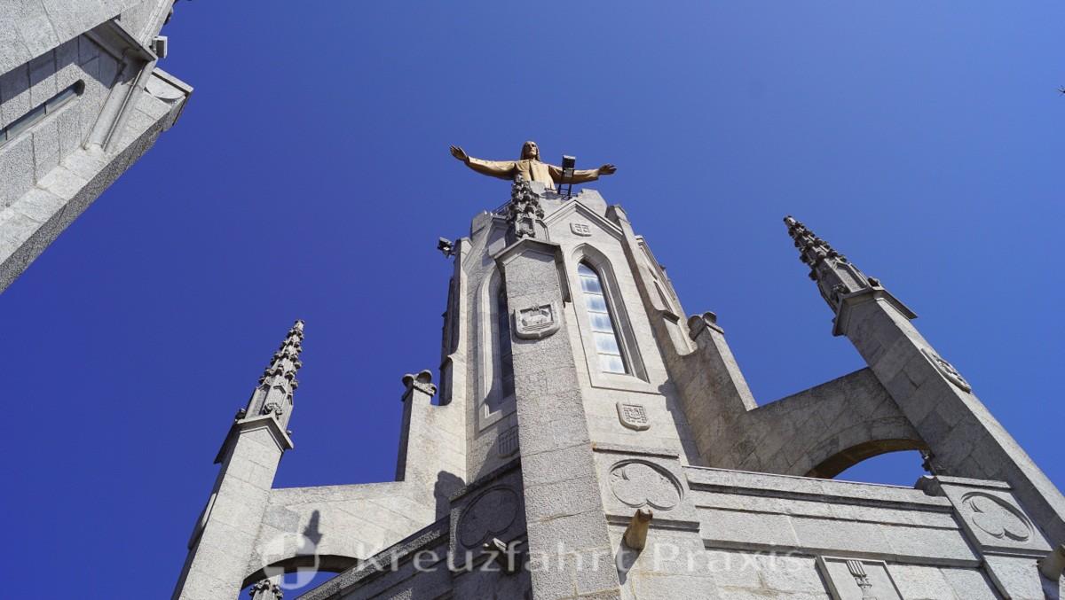 The Christ statue in the Sagrat Cor basilica