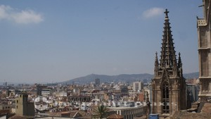 Barcelona - Panoramablick vom Dach der Kathedrale