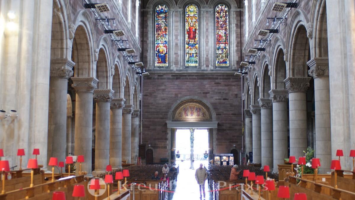 Belfast - St Anne's Cathedral - Kirchenschiff