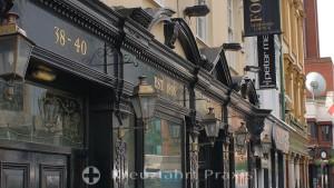 Belfast - die Robinson's Lounge in der Great Victoria St