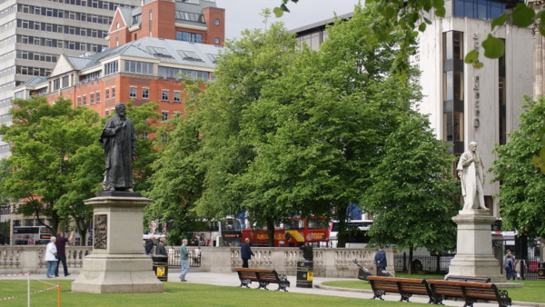 belfast city hall park