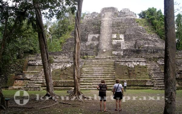 Belize - Lamanai der hohe Tempel