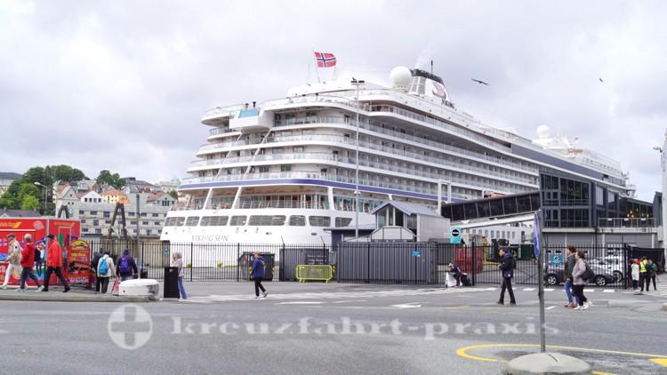 Kreuzfahrtschiff Viking Sun am Skolten-Terminal