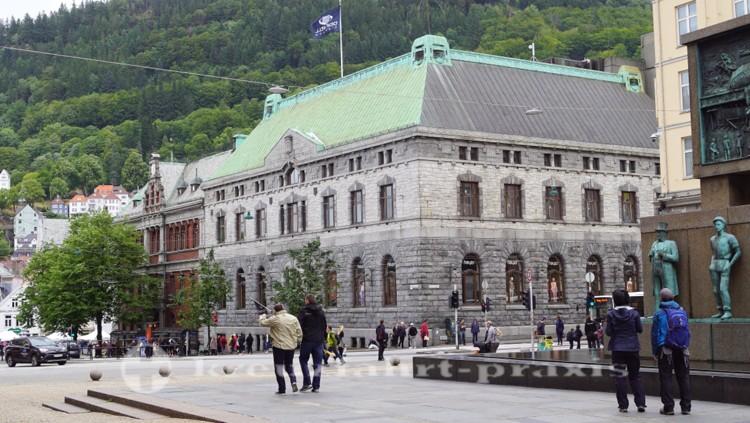 Bankgebäude an der Torgallmenninigen
