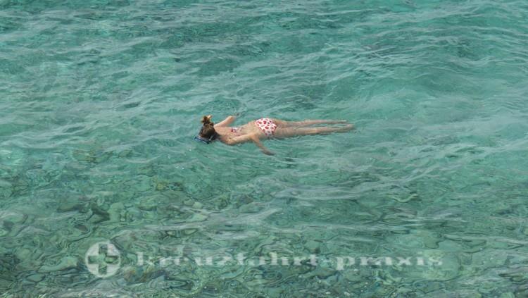 Bonaire - Schnorchlerin im Tauchrevier