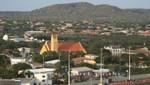 Bonaire - Kralendijk mit der Kirche San Bernardo