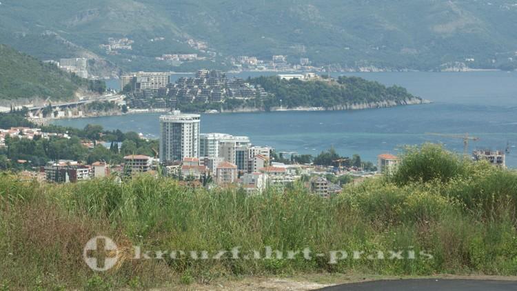 Blick auf die Bucht von Budva