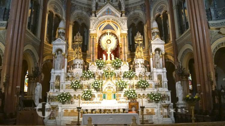 Basilica del Santisimo Sacramento - der Altar