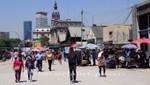 Straßenmarkt vor dem Bahnhof  Retiro