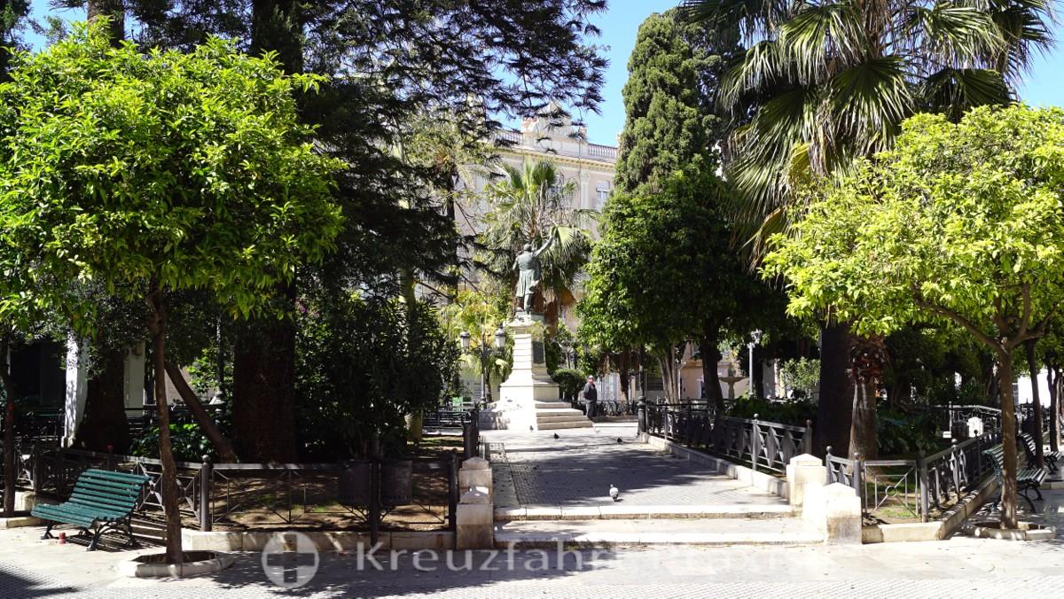 Plaza Candelaria mit dem Castelar-Denkmal