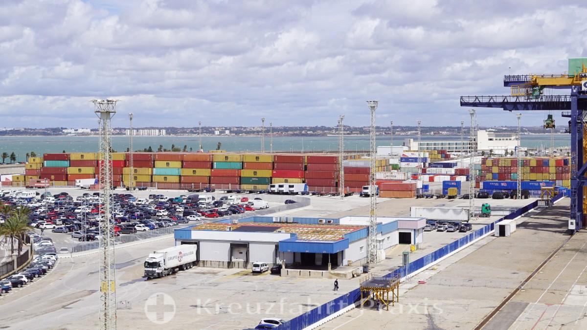 In the container port of Cadiz