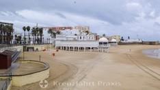 Der La Caleta-Strand mit dem ehemaligen Balneario