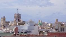 Der Torre Tavira überragt die umstehenden Bauten