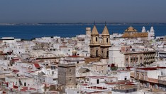 Blick vom Torre Tavira - im Vordergrund die Kirche San Antonio de Padua