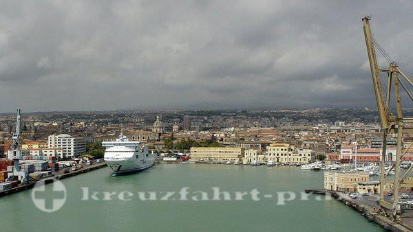 Catania - Blick auf Stadt und Hafen