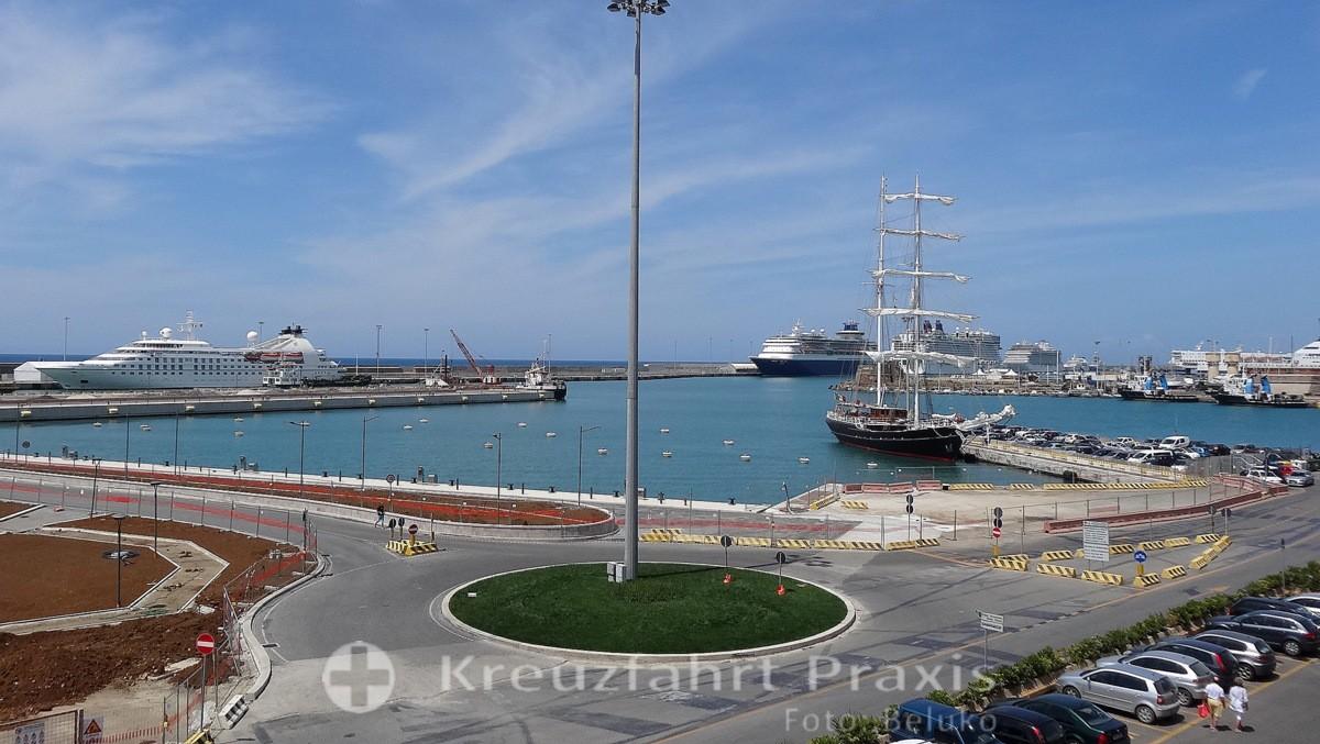 Cvitavecchias port