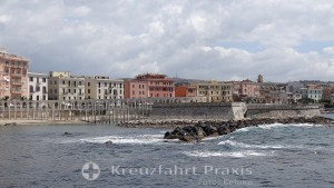 Übergang zum ehemaligen Strandhotel Pirgo