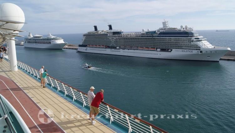 Civitavecchia - Kreuzfahrtschiffe an der Molo Bramante