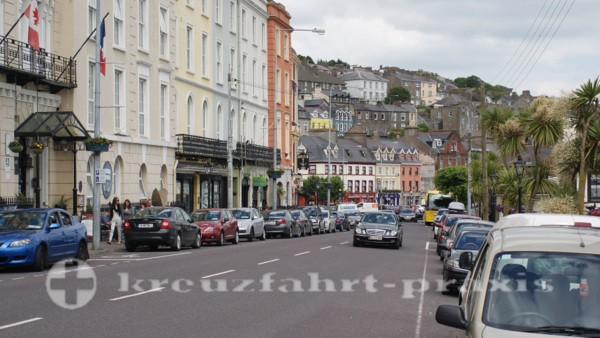 Fußweg in das Zentrum von Cobh
