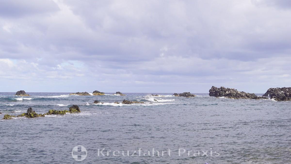 Corvo - cliffs at Praia da Areia