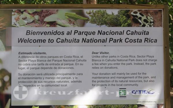 Costa Rica - Eingang zum Cahuita Nationalpark