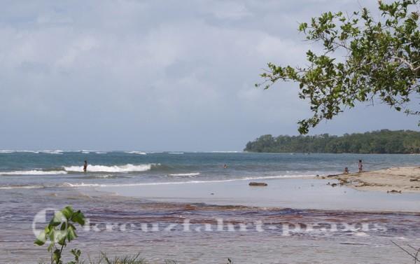 Costa Rica - Strandabschnitt im Cahuita Nationalpark
