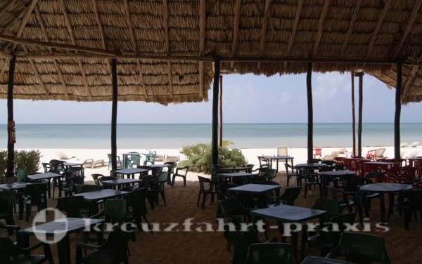 Cozumel - Strand und Snackbar am Chunchacab Riff