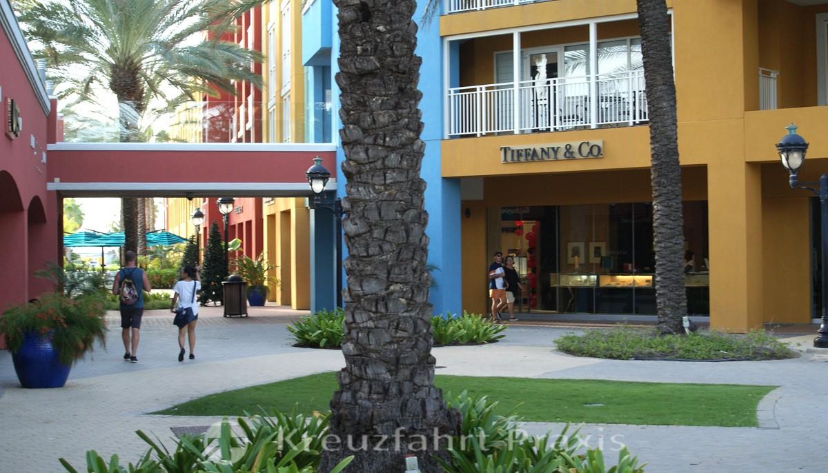 Willemstad -  Renaissance Shopping Mall
