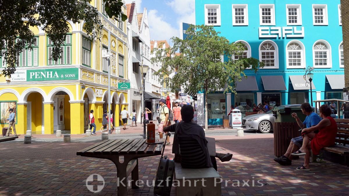 Farbenfrohe Häuser in der Breedestraat