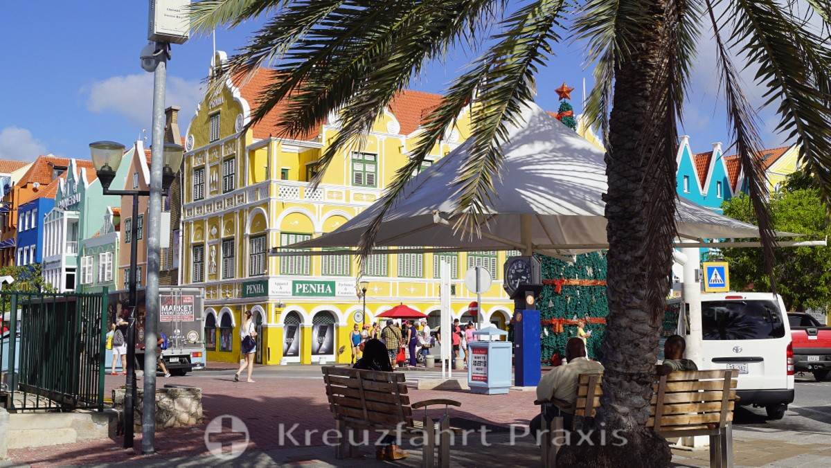Curacao Baroque - the Penha building in the Punda district