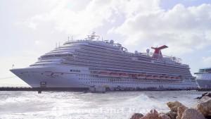 Willemstad - Mega Pier mit Carnival Horizon