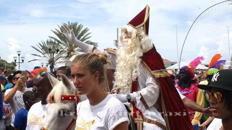 Sinterklaas erreicht Willemstad