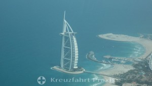 Burj Al Arab vom Seawings-Flugzeug gesehen
