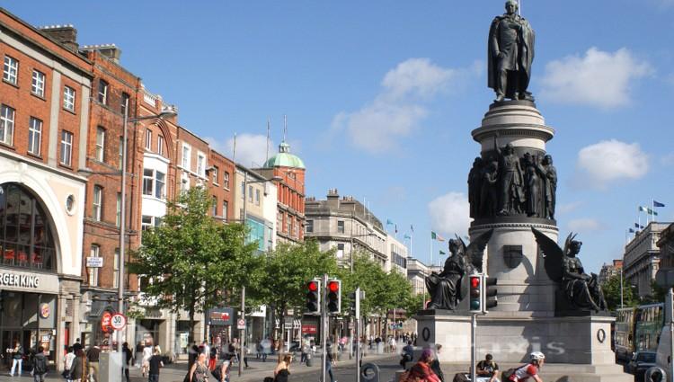 O'Connell Street und O'Connell Denkmal