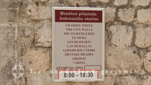 Zugang zur Stadtmauer