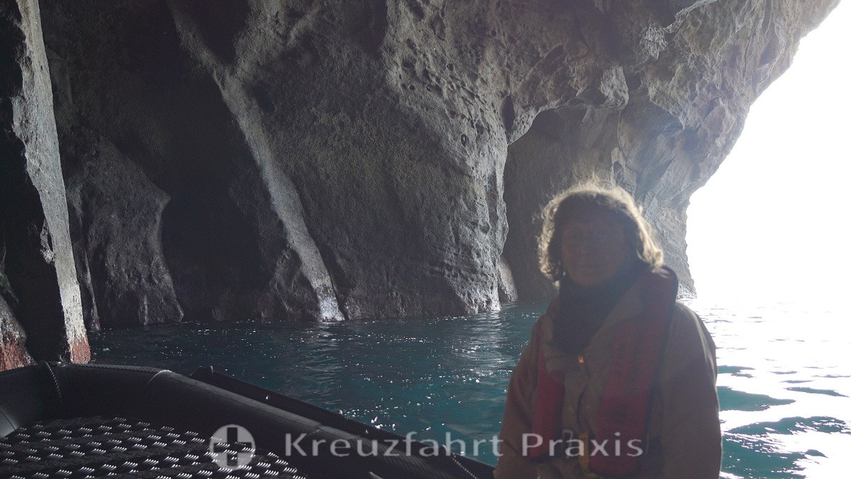 Cave tour with Zodiac