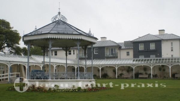 Falmouth - Gyllyngdune Gardens mit dem Bandstand
