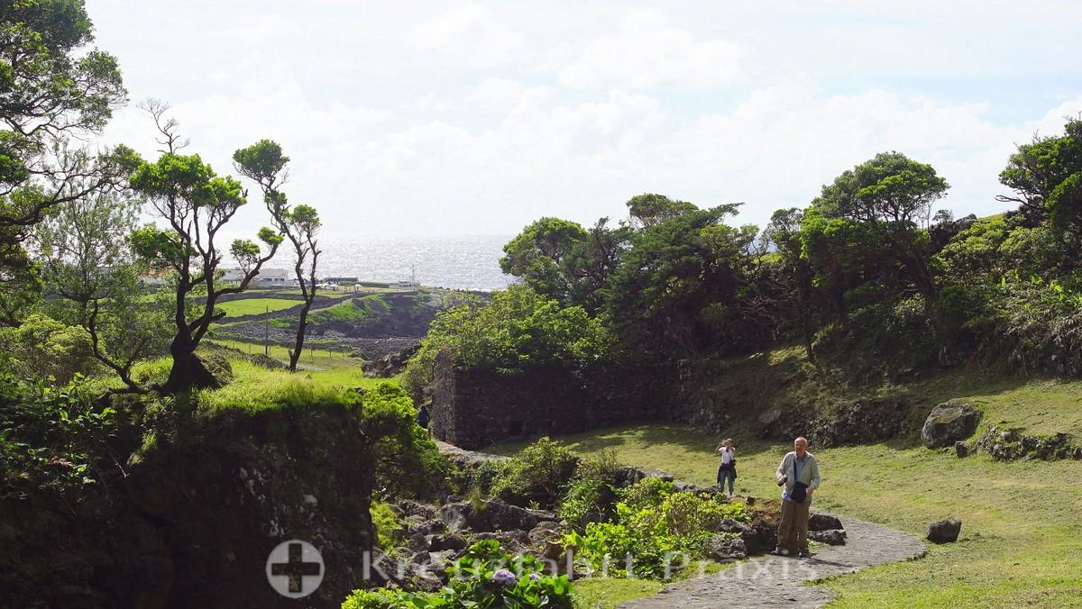 Fajã Grande - path to the Cascata do Poço do Bacalhau