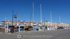 Corralejo - Ticket-Verkäufer am Hafen